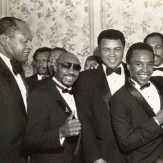 Boxing Legends Sugar Ray Robinson, Marvin Hagler, Muhammad Ali, Sugar Ray Leonard, Ken Norton & former L.A. mayor, Tom Bradley (left).