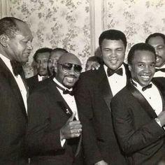 Boxing Legends Sugar Ray Robinson, Marvin Hagler, Muhammad Ali, Sugar Ray Leonard, Ken Norton & former L.A. mayor, Tom Bradley (left).