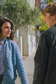 Jenny Slate runs into Paul Dano on the street and Paul runs into something strange. Follow Gap's 12-episode film series and shop new spring looks.