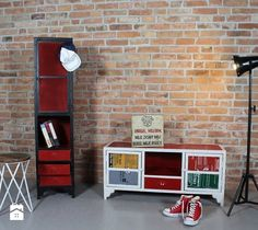 Projektowanie i aranżacja loftowych wnętrz.  http://www.homebook.pl/ideabooki/191652_sposob-na-loftowe-wnetrza-i-industrialny-styl