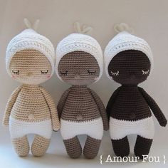 { This is a CROCHET pattern in a PDF file, NOT the finished doll. If your are looking for the finished Hoki doll, please contact me...} Are you ready to sing a lullaby to this little cutie? Heres what we sing in Argentina, my home country: Arrorró mi niño, Arrorró mi sol, Arrorró pedazo de mi corazón... Duérmete mi niño, Duérmete mi sol, Duérmete pedazo de mi corazón... This is a simple and detailed pattern. If crocheted with a 3.00 mm hook, your finished Hoki should measure more or less…