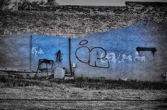 Just a wall. Adrian Michigan. #adrianmichigan #niksoftware #photowalk #nikon_photography_ #bnw_captures #bnw_life #bnw_society #bnw_planet #graffitiart