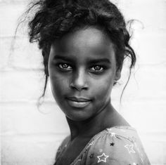 Lee Jeffries Photography  http://www.fubiz.net/2012/07/03/lee-jeffries-photography/  http://www.fubiz.net/2011/05/03/lee-jeffries-portraits/