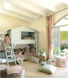 Cabane mezzanine perchée pour petit coin douillet! #bedroom