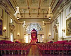 Buckingham Palace : State Ballroom ready for an Investiture Windsor Palace, Windsor Castle, Royal Palace, Palais De Buckingham, Buckingham Palace London, Castles In England, The Royal Collection, Royal Residence, Royal Life