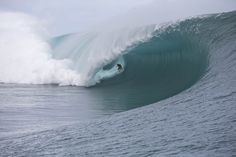 Pedro Manga, finding himself face-to-face with Teahupoo's unpleasant side. Photo: Pompermayer