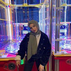 x Ig : wolferess_ Modest Fashion Hijab, Modern Hijab Fashion, Street Hijab Fashion, Casual Hijab Outfit, Hijab Fashion Inspiration, Hijab Chic, Muslim Fashion, Mode Outfits, Fashion Outfits