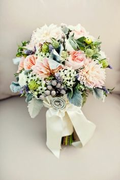 pretty peach + green wedding bouquet