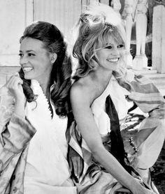 Jeanne Moreau and Brigitte Bardot in Viva Maria! (1965)