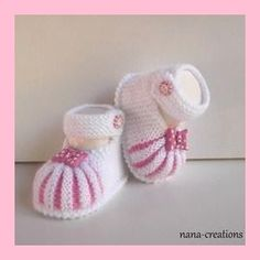 Discover thousands of images about Şerife Şenel Baby Shoes Pattern, Booties Crochet, Crochet Baby Shoes, Crochet Baby Booties, Baby Knitting Patterns, Knitting Designs, Hand Knitting, Style Baby, Pink Style
