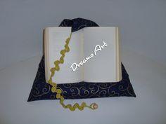 Kissen - Lesekissen, Buchkissen, Tabletstütze, Blau-Gold - ein Designerstück von Dreams-Art bei DaWanda