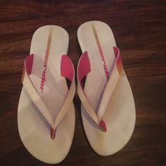 RIDER FLIP FLOPS 9 Only worn a couple times, insanely comfortable just a half size too big for me RIDER Shoes Sandals