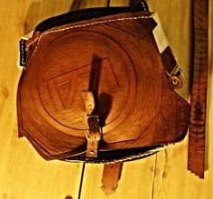 dert 1771 handgenähte,-beschnitzte ledertasche Saddle Bags, Hand Sewn, Leather Bag, Dime Bags, Creative, Molle Pouches