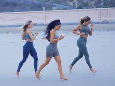 Kim Kardashian Workout, Kim Kardashian Blazer, Kim Kardashian Wedding, Estilo Kardashian, Kardashian Style, Kardashian Jenner, Kourtney Kardashian Diet, Kardashian Nails, Celebrity Diets
