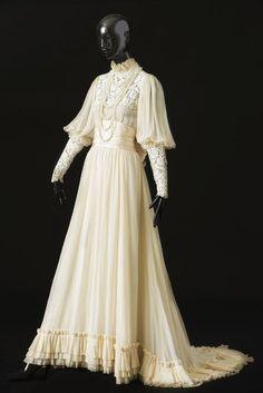 robe du soir, robe à traîne, Jane Birkin, Bal Proust - 2013.06.01: