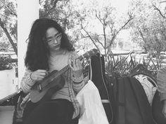 En nuestro Foro de las Artes, este lunes nos encontramos a Mariana Loya y Evelyn Ayala, estudiantes de la Facultad de Artes del tercer semestre de Musica, practicando ukulele y guitarra. #TalentosItinerantes en #ChihuahuaCuu. #ElArteDeTodosParaTodos #AmaneceParaTodos #ChihuahuaNuestraCultura