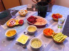 Sauce pour fondue bourguignonne - Famous Last Words Fondue Raclette, Raclette Party, Sauce Pour Fondue, Shabu Shabu, I Chef, Russian Recipes, Mayonnaise, Parfait, Pesto