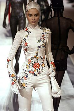 Jean Paul Gaultier Fall 2003 Couture Fashion Show - Jean Paul Gaultier, Tiiu Kuik Timeless Fashion, High Fashion, Fashion Show, Vintage Fashion, Womens Fashion, Bohemian Fashion, Jean Paul Gaultier Women, Concept Clothing, Vintage Jumpsuit