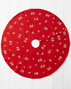 Hable Embroidered Tree Skirt