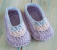 [Video Tutorial] Lovely Crochet Baby Booties Made Simple For Even Beginners
