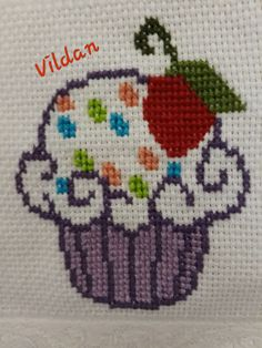 Cross Stitch Embroidery, Hand Embroidery, Cross Stitch Patterns, Crochet Patterns, Cross Stitch Beginner, Small Cross Stitch, Christmas Cross, Crochet Fashion, Bead Crafts