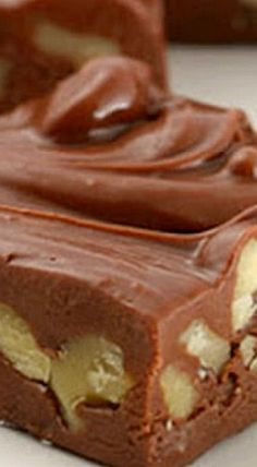 This Is Pretty Amazing!When it comes to sweet treats, fudge is number one at our house. It doesn't really matter what type of fudge I'm making, Candy Recipes, Cookie Recipes, Holiday Recipes, Dessert Recipes, Cake Candy, Candy Cookies, Candy Bars, Holiday Baking, Christmas Baking