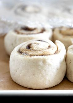 Sweet, tender gluten free cinnamon rolls made with an all purpose gluten free flour and instant yeast. Make weekend mornings special! Gluten Free Deserts, Gluten Free Treats, Gluten Free Breakfasts, Gluten Free Baking, Dairy Free Recipes, Vegan Recipes, Gluten Free Pretzels, Gluten Free Sugar Cookies, Gluten Free Donuts