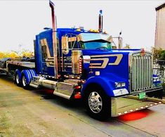 big trucks and girls Peterbilt Trucks, Gmc Trucks, Diesel Trucks, Show Trucks, Big Rig Trucks, Custom Big Rigs, Custom Trucks, Truck Driving Jobs, Ranger