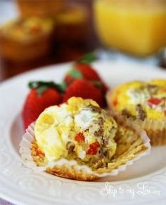 Quick and easy breakfast on the go (make ahead): sausage muffin egg cups. #recipe #eggs skiptomylou.org