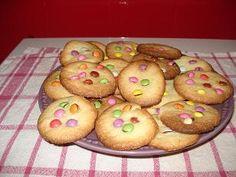 la #recette des gâteaux sablés avec des #smarties une recette par le site pour enfants #caboucadin