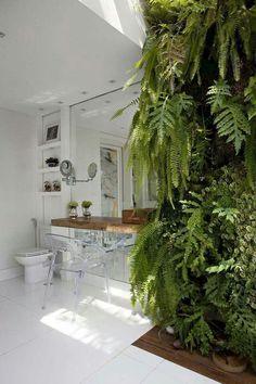 Bathroom fern wall
