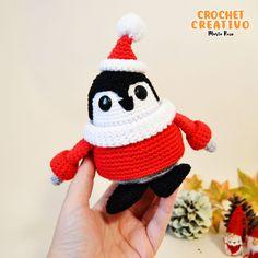 Laponio el pingüino navideño [patrón gratis] – Marta Ruso Crochet Hats, Christmas Ornaments, Holiday Decor, Chain Stitch, Crochet Stitches, Magic Ring, Pom Poms, Free Pattern, Knitting Hats