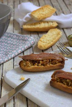 Tostadas con anchoas Anchovies bruschetta