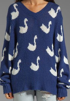 WILDFOX COUTURE -Swan sweater