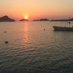"""unlimitedgreece: """"Beautiful Sunset captured by @nataliemnt  Tag #unlimitedgreece your best pics of Greece Tell us what you think like or comment.  #unlimitedgreece#greece#team_greace #sunsetstream #sunsetlove#sunset #travel_greece #wu_greece#ig_greece #loves_greece #insta_greece#vsco_greece #igersgreece#greecestagram #gf_greece#beautifuldestinations #greece2016#instagreece #travelgram #greece #grecia#grece #neverstopexploring"""""""