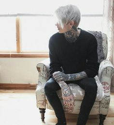 𝖎𝖓𝖘𝖕𝖎𝖗𝖆𝖙𝖎𝖔𝖓 Best Picture For Androgyne women For Your Taste You are looking for something, and it is Tatoo Inspiration, Character Inspiration, Emo Guys, Cute Guys, Pretty People, Beautiful People, Beautiful Pictures, Estilo Dark, Male Character