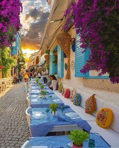 Turkey is simply stunning! 😍 Tag someone you'd take here 👇Photos by Alaçatı, Izmir Cunda, Balikesir Wonderful Places, Beautiful Places, Beautiful Streets, Beautiful Sunset, Places Around The World, Around The Worlds, Places To Travel, Places To Go, Restaurant Hotel