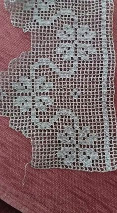 This Pin was discovered by Nil Filet Crochet, Crochet Cross, Crochet Art, Love Crochet, Easy Crochet, Motif Bikini Crochet, Crochet Lace Edging, Crochet Borders, Crochet Doilies