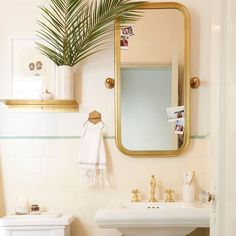 Just when you were beginning to think #MakeoverTakeover was a fond memory @bradytolbert is back with another glorious post. And this time its a FULL REVEAL. His rather drab rental bathroom got a major facelift and its all on the blog. Right. Now. by em_henderson
