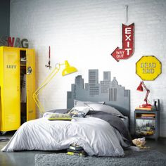 The 70 Best Teen Boy Bedroom Ideas - Cool Designs for Teenagers - Teen bedroom diy Teen Boy Rooms, Teenage Room, Kids Rooms, Teenage Boy Bedrooms, Preteen Boys Room, Teen Playroom, Boys Teenage, Youth Rooms, Shared Bedrooms