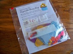 Cupcake busy bag - great craft that can be used to practice addition and subtraction.
