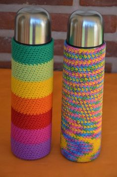Colors Crochet Crafts, Crochet Projects, Free Crochet, Knit Crochet, Crochet Flip Flops, Water Bottle Covers, Crochet Handbags, Bottle Holders, Crochet Accessories