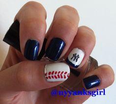 New York Yankees baseball nail art nails #yankees #nailart Yankees nail art