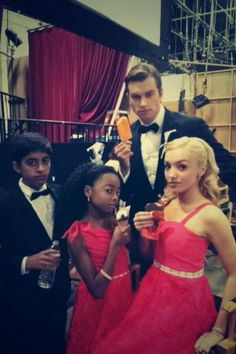 "Photo: Peyton List With Her ""Jessie"" Cast Enjoying Frozen Treats April 5, 2014"
