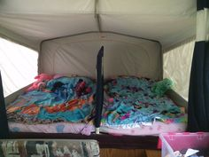 Kids bed divider for the 2 youngest - Camper Wiz New Pop Up Campers, Rv Campers, Camper Trailers, Happy Campers, Camper Life, Rv Life, Tent Camping Organization, Organization Ideas, Storage Ideas