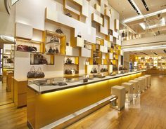 spectacular-vibrant-scenery-louis-vuitton-fairmont-hotel-flagship-store-interior-vancouver-3.jpg 1,020×798 pixels