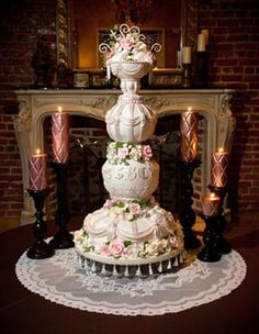 I couldn't possibly bring myself to cutting into a cake like this. I would want to preserve it so I could forever admire it.
