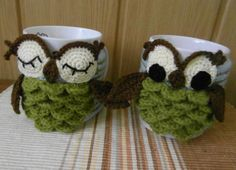 Crocheting: Owl mug cozy
