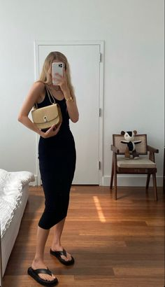 Vintage Princess, Ideias Fashion, Summer Outfits, Minimalist, Bodycon Dress, Spring Summer, Dresses For Work, Photo And Video, How To Wear