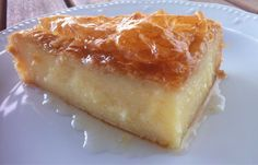 Traditional Greek Galaktoboureko recipe (Greek Custard Pie with Syrup) the BEST greek dessert ! Pastry Recipes, Pie Recipes, Cooking Recipes, Custard Pie Recipe Easy, Just Desserts, Delicious Desserts, Greek Sweets, Kolaci I Torte, Greek Cooking